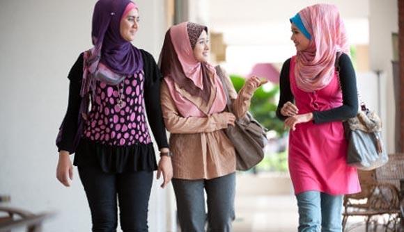 Какую одежду одевают мусульманки